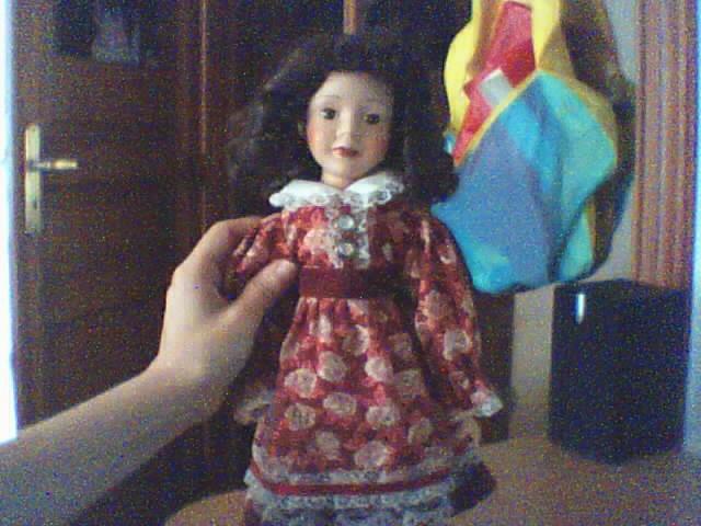 Les poupées en porcelaine... 181032