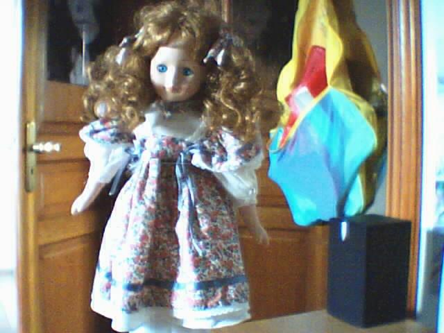 Les poupées en porcelaine... 181243