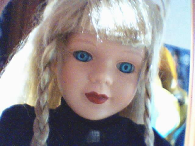 Les poupées en porcelaine... 181441