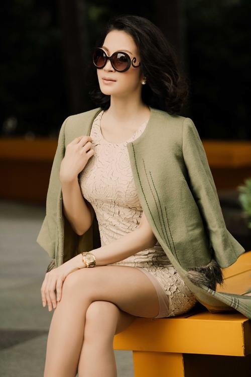 Diện đồ ngày đông trẻ trung, ấm áp như MC Thanh Mai - Áo Thun Doanh Nghiệp 1453793251-1453783680-9