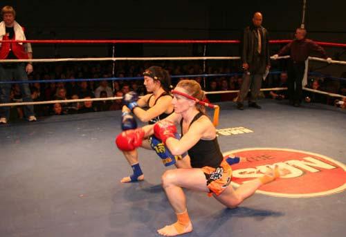 Muay Thai được xem là vô cùng thực dụng trong lối đánh tự do rất tàn bạo. 1354088344-the-thao-muay-thai-4
