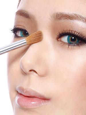 Cách hướng dẫn trang sống mũi theo phong cách Hàn Quốc 1421747773-khuon-mat-thanh-thoat-voi-song-mui-s-line--1-