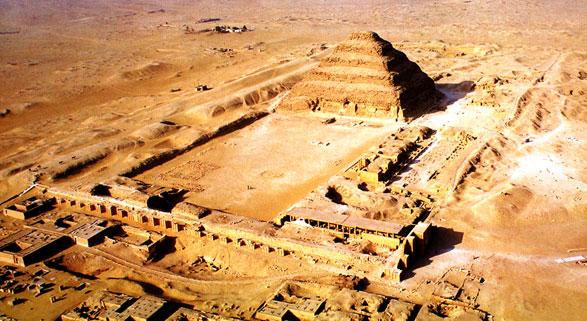 Las construcciones más altas del mundo de ayer y hoy Djoserax