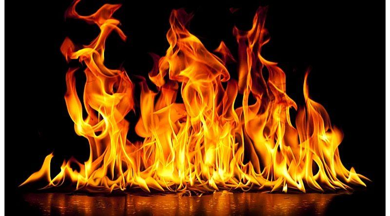 Indovina  da un'immagine il Film - Pagina 14 Accendere-il-fuoco-senza-l-accendino-800x445