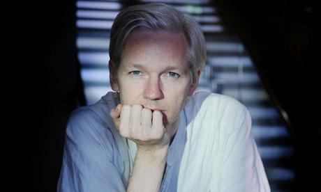 JULIAN ASSANGE - WikiLeaks 'editor-in-chief': from geek to freedom fighter! Julian-assange