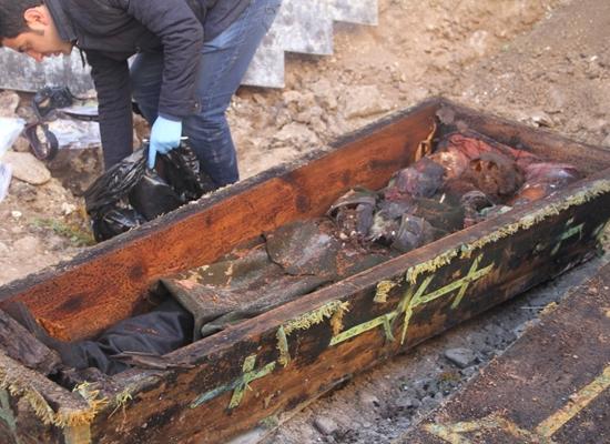 عمال أتراك يكتشفون تابوتا أثناء الحفر.. ماذا بداخله؟ (صور) Image1_42017272133