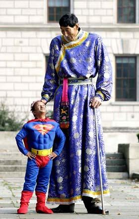 اطول انسان في العالم  F2005102611262000000