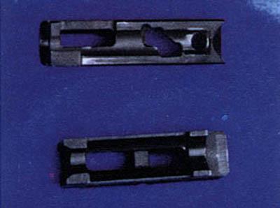 المسدس الصينى / 92/ الذى عياره 5.8 مم تخرق قذيفته احدث صدرة امريكية ضد الرصاص بسهولة  F200909091543023023632343