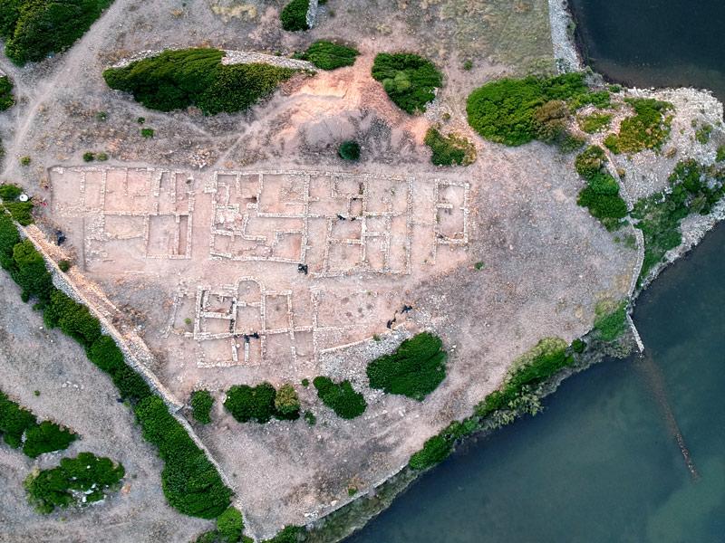 كيف نبدأ بالبحث عن وجود منطقه أثريه بالصور  033-aerial-view-roman-city-of-sanisera