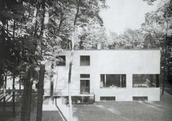 stowa - [REVUE] Stowa Antea Small Second : l'horlogerie à l'heure du Bauhaus Bhdessau1