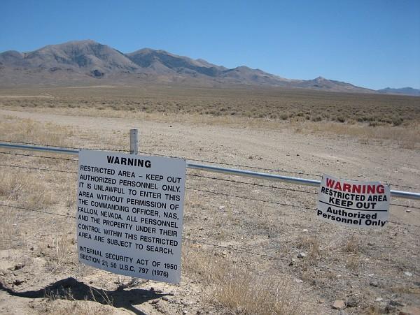 Rencontre du 3ème type et Missing time au Nevada Img_2551-vi
