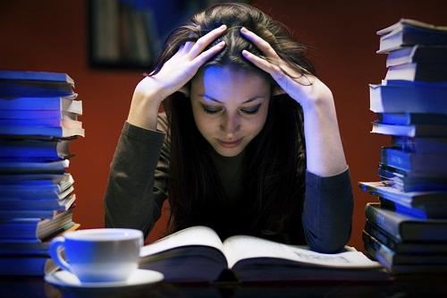 كيف تذاكر فى ايام الامتحانات؟ %D9%83%D9%8A%D9%81_%D8%AA%D8%B0%D8%A7%D9%83%D8%B1_%D9%84%D9%84%D8%A7%D9%85%D8%AA%D8%AD%D8%A7%D9%86