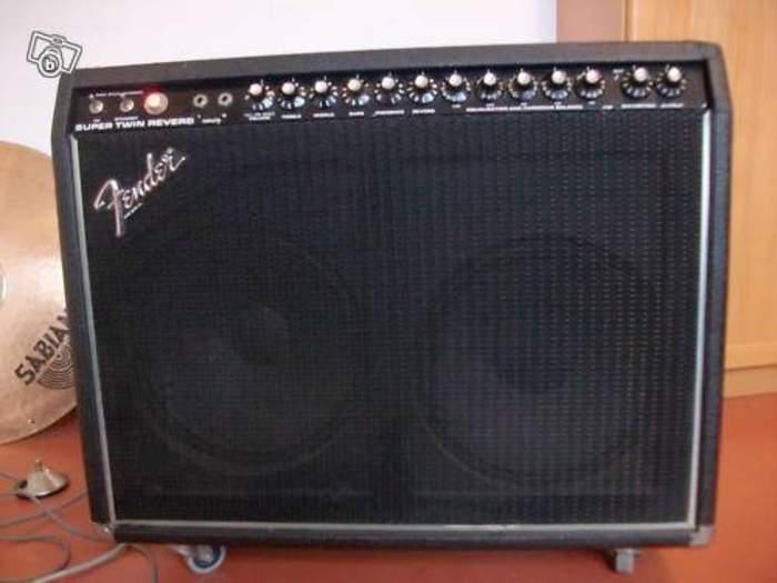 Gallerie Amplis Fender & Clones Fender-super-twin-reverb