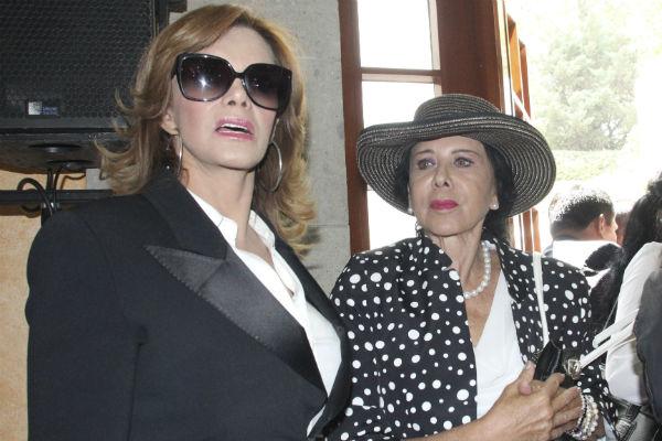 Лусия Мендес/Lucia Mendez 4 - Страница 30 Presidencia-DIF_Angelica_Rivera-17