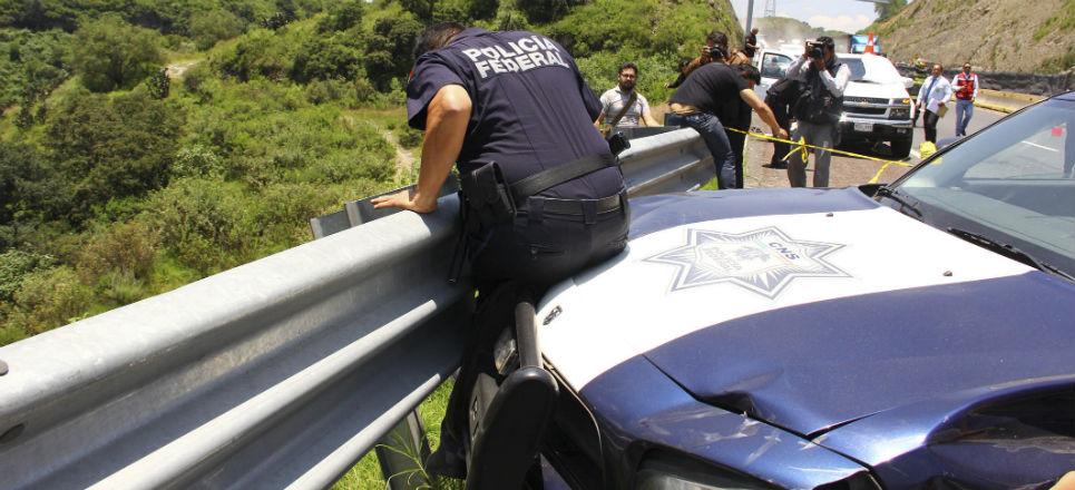 Atienden ejecuciones en autopista y los atropellan Accidente_Trailer_Atizapa769n-3