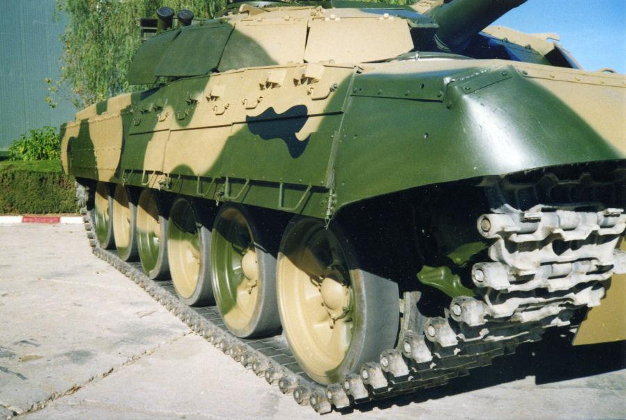 دبابات تي-72 مطورة محليا في الجزائر   T72amg_04