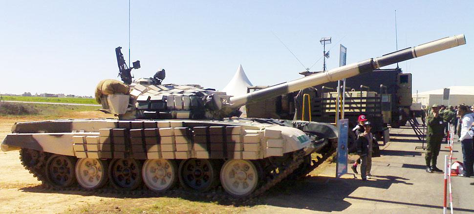 قائد سلاح الجو الروسي يكشف عن بدء مفاوضات عسكرية مع المغرب - صفحة 3 T-72.27110