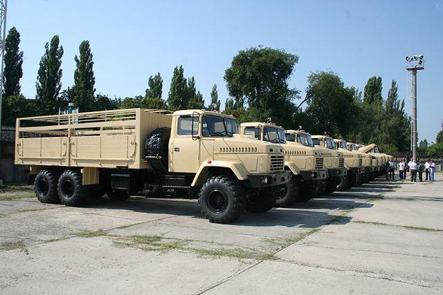 شركة المركبات العسكرية AutoKraZ تسلم مصر آخر شحنة من عربات النقل العسكري Egypt_will_take_delivery_of_KrAZ-6322_6x6_long_chassis_military_truck_tactical_vehicles_640_001