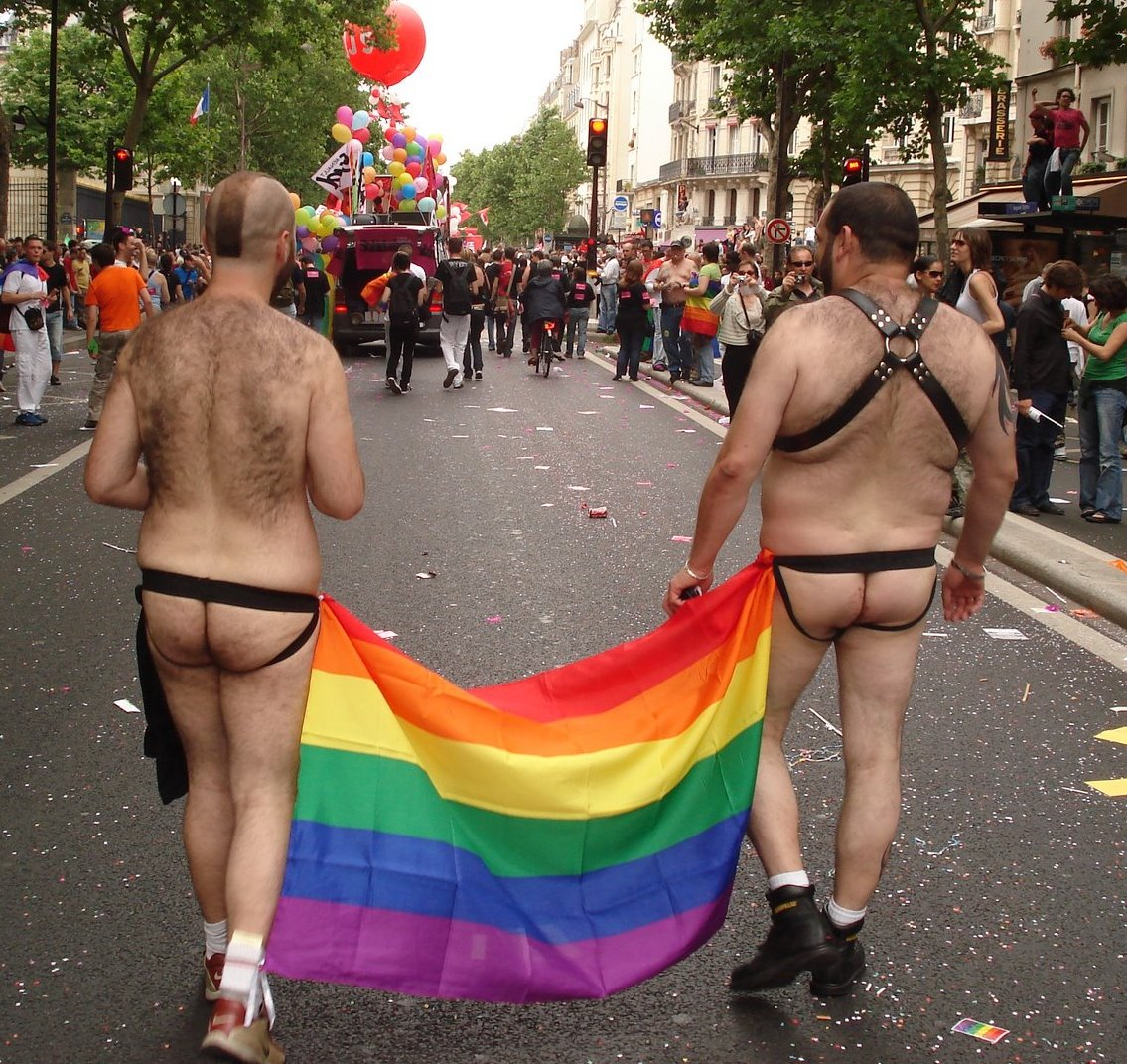 "Topic: ""coup de coeur"", ""coup de gueule"", ""info"" etc.. - Page 4 Gay_pride2012_vf"