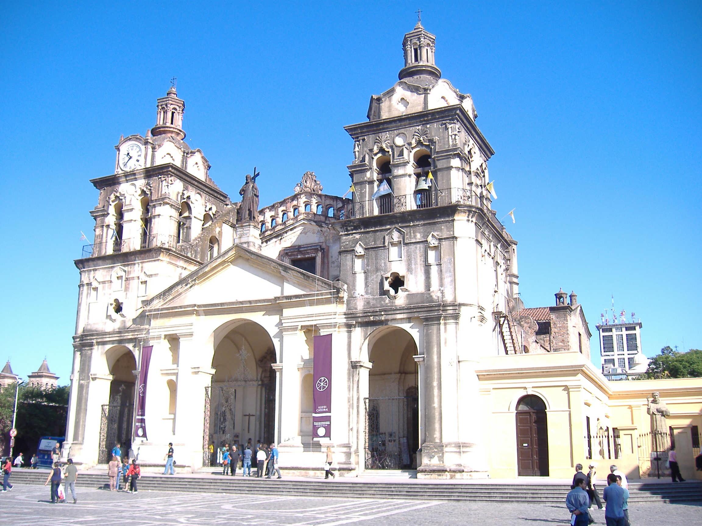 Tenés fotos de donde vivís?. Postealas aquí Catedral-de-cc3b3rdoba-argentina