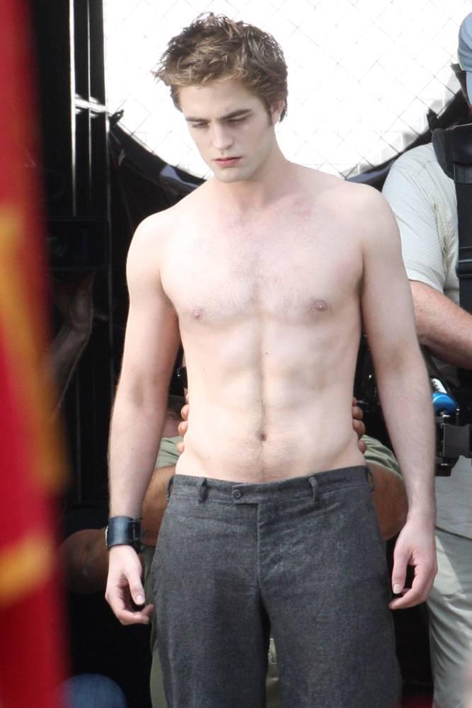 Bella et Edward: Twilight 23390_preview_122_452lo