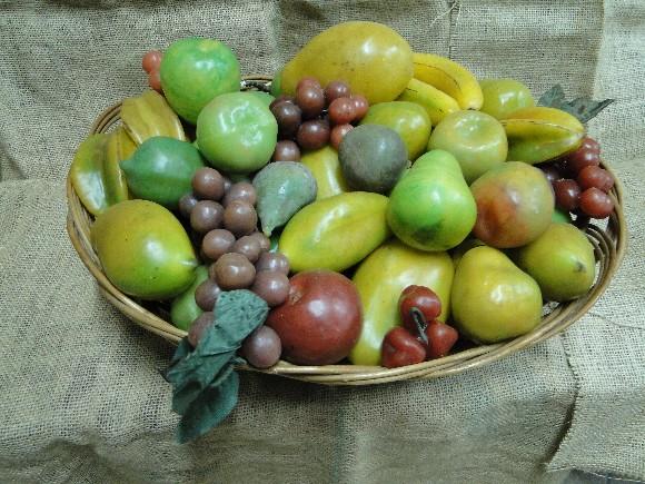 Poste uma cafonice de Brasileiro - Página 2 Frutas-parafinadas