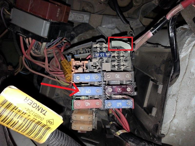 Kangoo 4x4 10/2005 fusible 25A grille tout seul ? Kangoofus