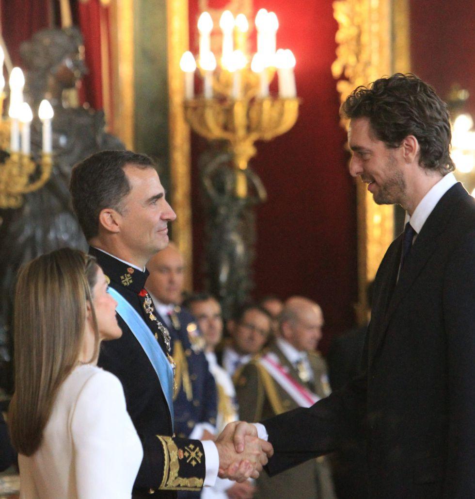 ¿Cuánto mide el Rey Felipe VI? - Altura - Real height 1403192036_689585_1403192174_noticia_grande