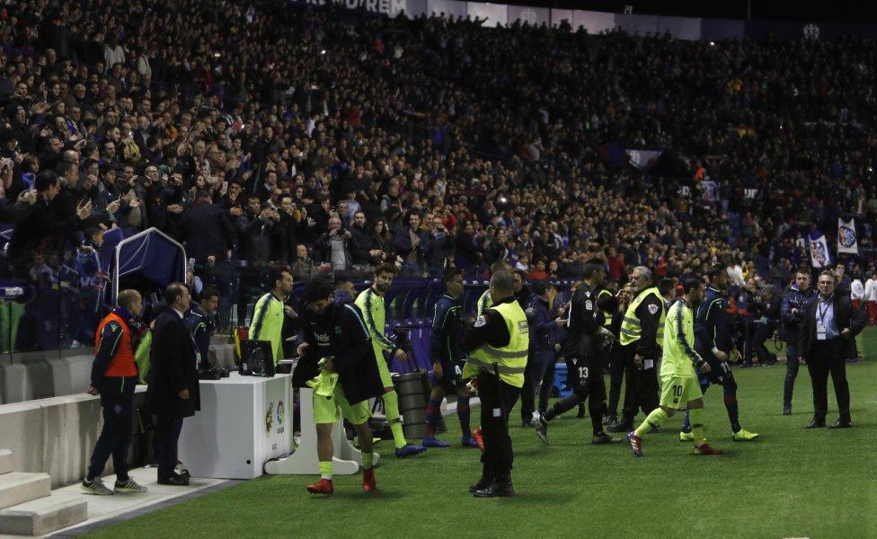 صور مباراة : ليفانتي - برشلونة 0-5 ( 16-12-2018 )  1544989648_089308_1544991676_album_grande