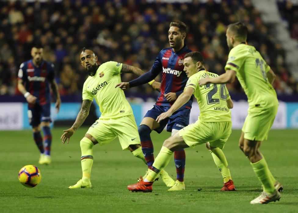 صور مباراة : ليفانتي - برشلونة 0-5 ( 16-12-2018 )  1544989648_089308_1544992521_album_grande