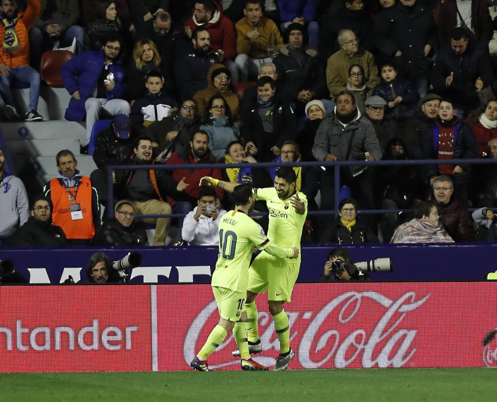 صور مباراة : ليفانتي - برشلونة 0-5 ( 16-12-2018 )  1544989648_089308_1544993959_album_grande