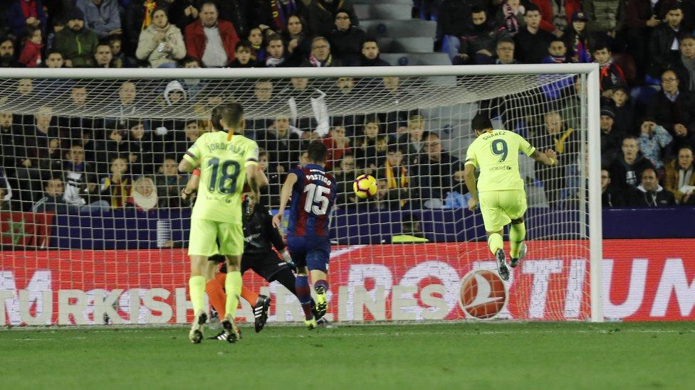 صور مباراة : ليفانتي - برشلونة 0-5 ( 16-12-2018 )  1544989648_089308_1544993962_album_grande
