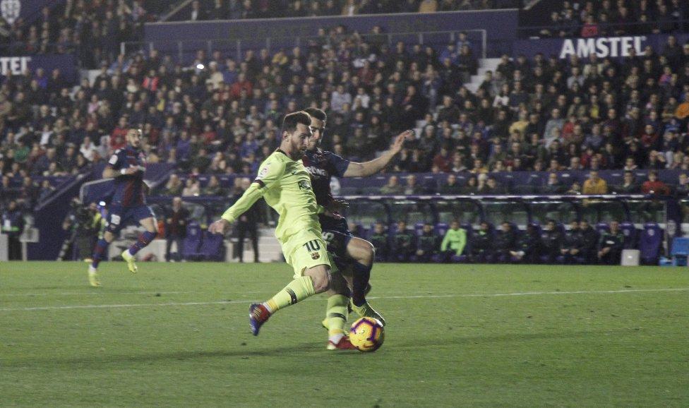 صور مباراة : ليفانتي - برشلونة 0-5 ( 16-12-2018 )  1544989648_089308_1544994250_album_grande