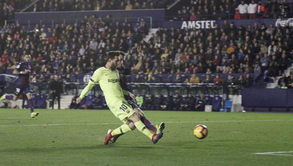 صور مباراة : ليفانتي - برشلونة 0-5 ( 16-12-2018 )  1544989648_089308_1544994251_album_grande