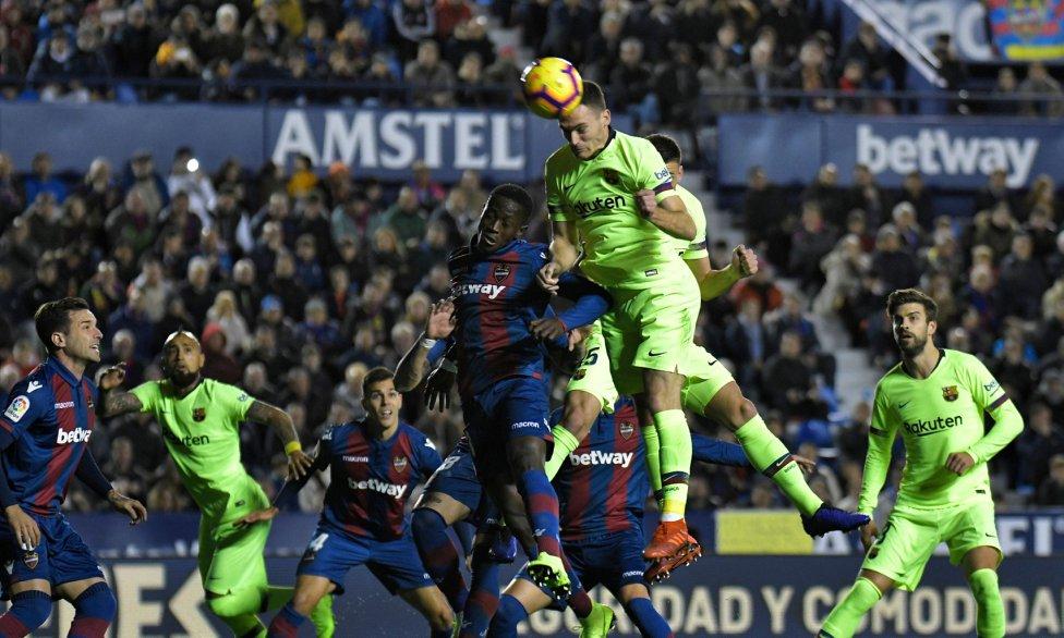 صور مباراة : ليفانتي - برشلونة 0-5 ( 16-12-2018 )  1544989648_089308_1544994887_album_grande