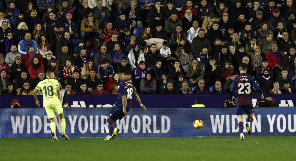 صور مباراة : ليفانتي - برشلونة 0-5 ( 16-12-2018 )  1544989648_089308_1544995286_album_grande