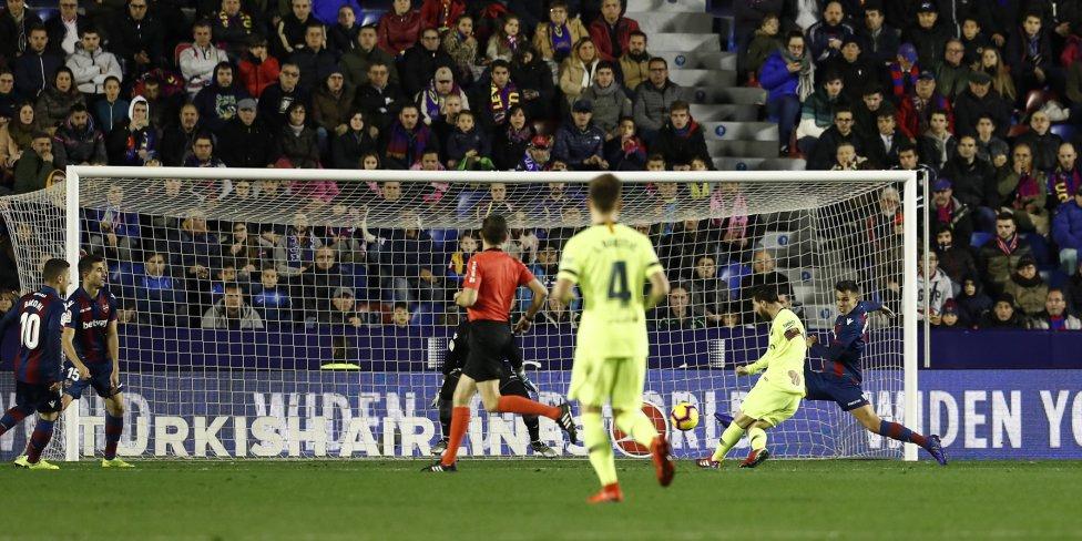 صور مباراة : ليفانتي - برشلونة 0-5 ( 16-12-2018 )  1544989648_089308_1544995287_album_grande
