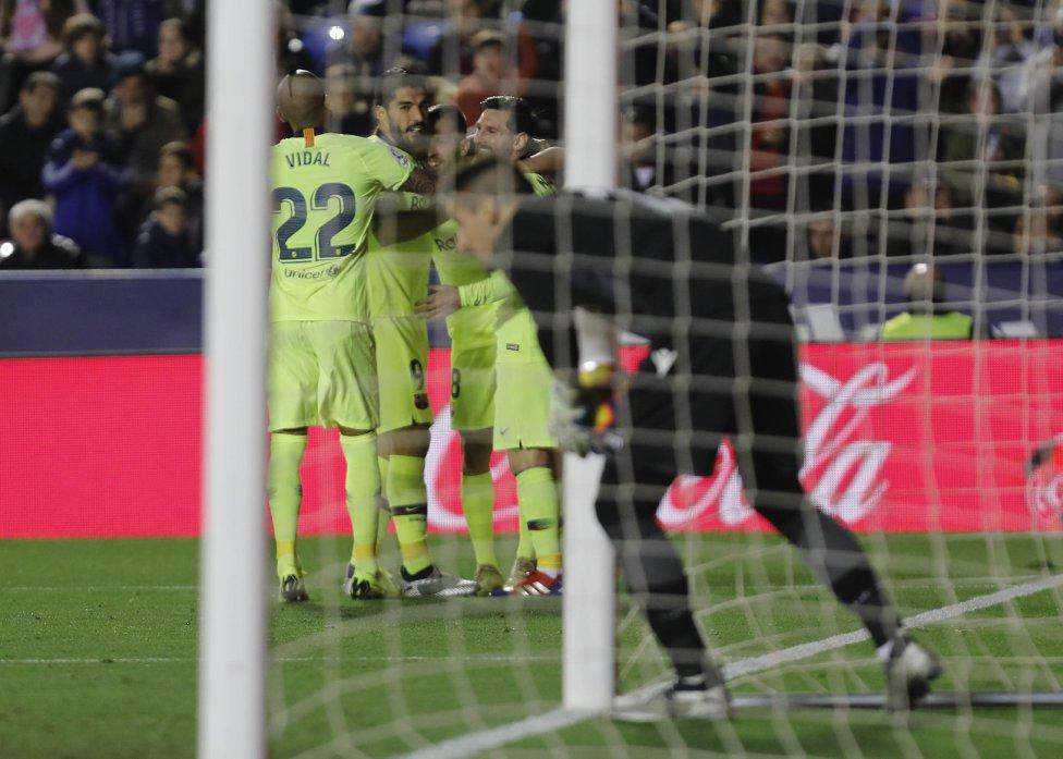 صور مباراة : ليفانتي - برشلونة 0-5 ( 16-12-2018 )  1544989648_089308_1544995452_album_grande
