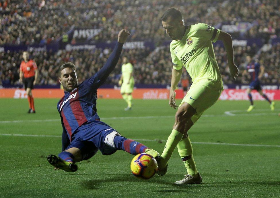 صور مباراة : ليفانتي - برشلونة 0-5 ( 16-12-2018 )  1544989648_089308_1544996388_album_grande