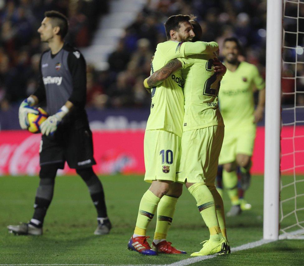 صور مباراة : ليفانتي - برشلونة 0-5 ( 16-12-2018 )  1544989648_089308_1544996390_album_grande
