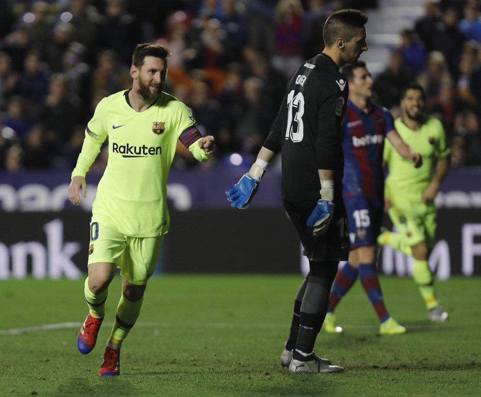 صور مباراة : ليفانتي - برشلونة 0-5 ( 16-12-2018 )  1544989648_089308_1544996391_album_grande