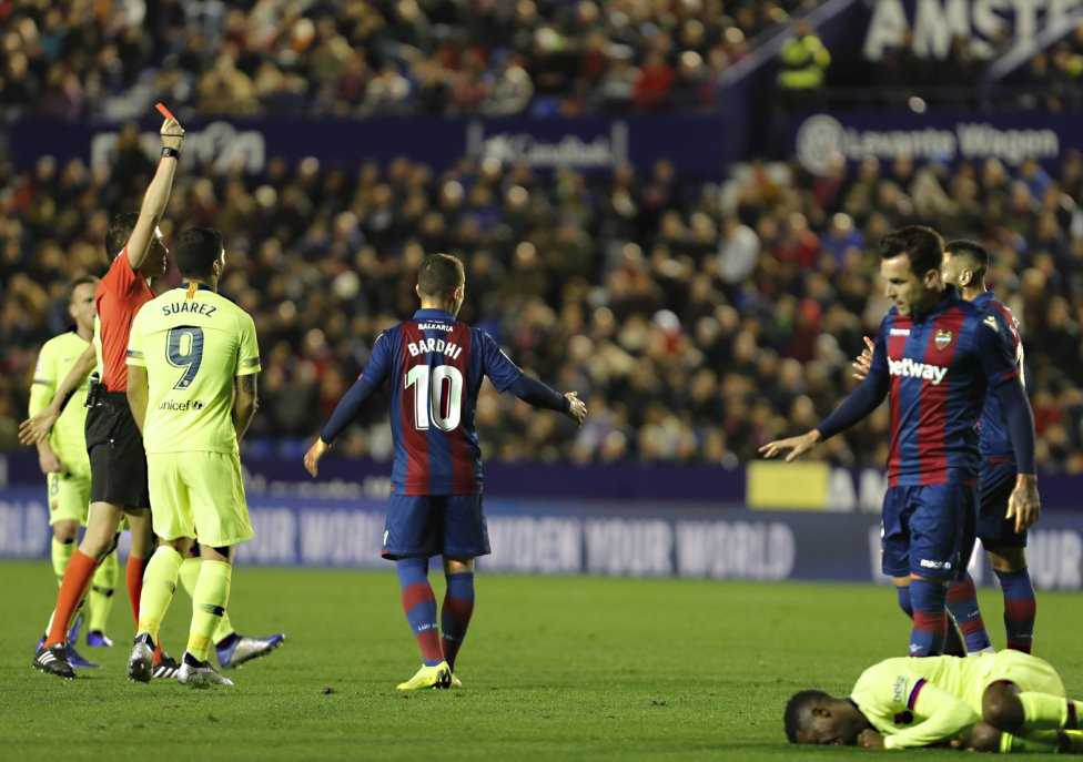 صور مباراة : ليفانتي - برشلونة 0-5 ( 16-12-2018 )  1544989648_089308_1544997163_album_grande