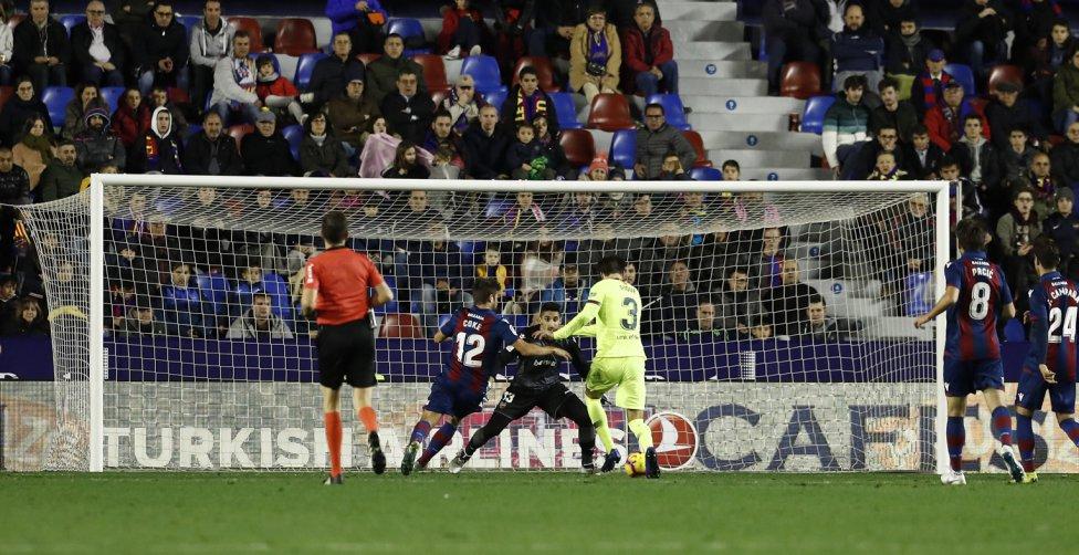 صور مباراة : ليفانتي - برشلونة 0-5 ( 16-12-2018 )  1544989648_089308_1544997905_album_grande