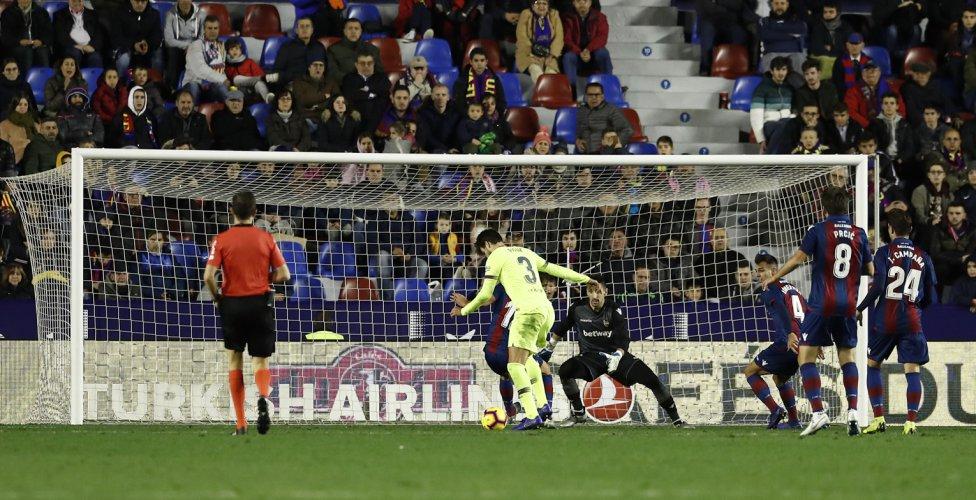 صور مباراة : ليفانتي - برشلونة 0-5 ( 16-12-2018 )  1544989648_089308_1544997908_album_grande