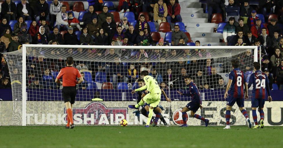 صور مباراة : ليفانتي - برشلونة 0-5 ( 16-12-2018 )  1544989648_089308_1544997909_album_grande