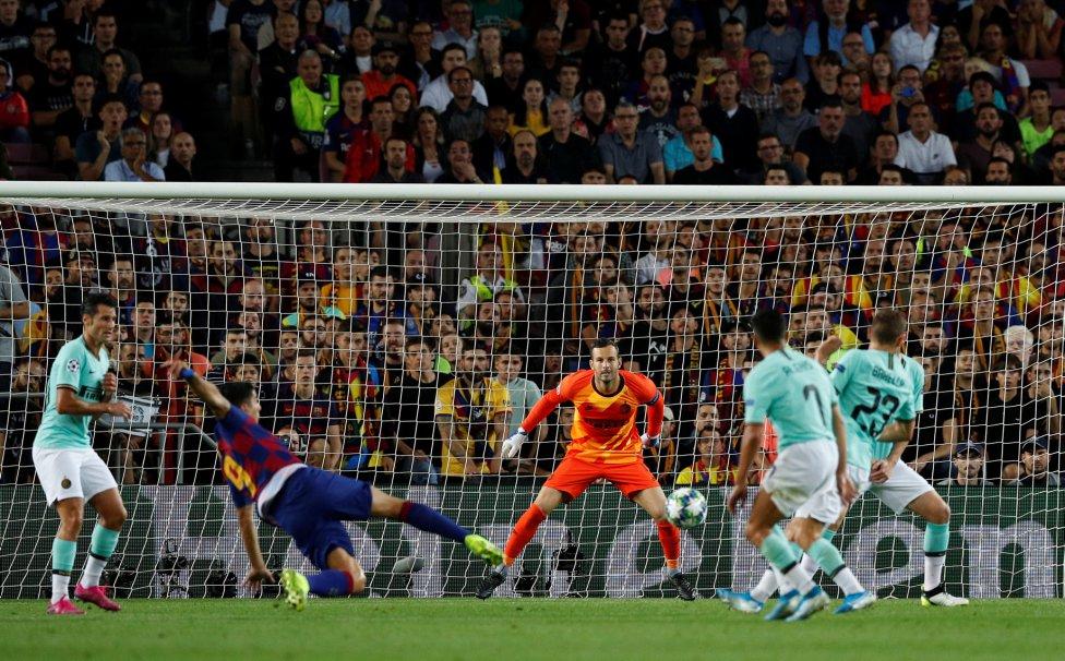 صور مباراة : برشلونة - إنتر 2-1 ( 02-10-2019 )  1570043143_085516_1570048329_album_grande