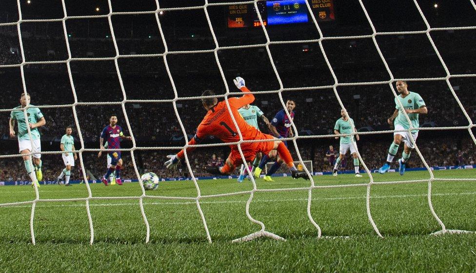 صور مباراة : برشلونة - إنتر 2-1 ( 02-10-2019 )  1570043143_085516_1570052376_album_grande