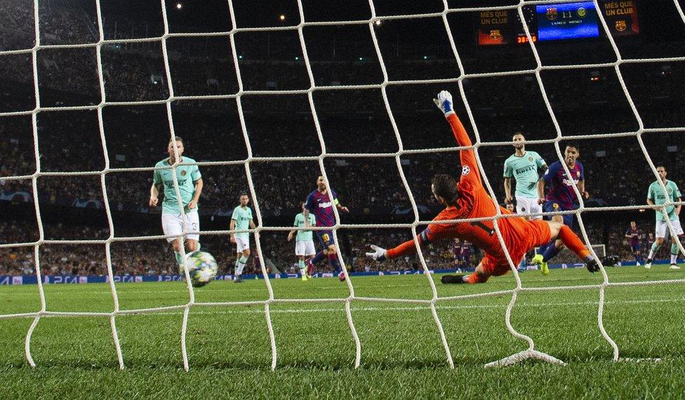 صور مباراة : برشلونة - إنتر 2-1 ( 02-10-2019 )  1570043143_085516_1570052377_album_grande