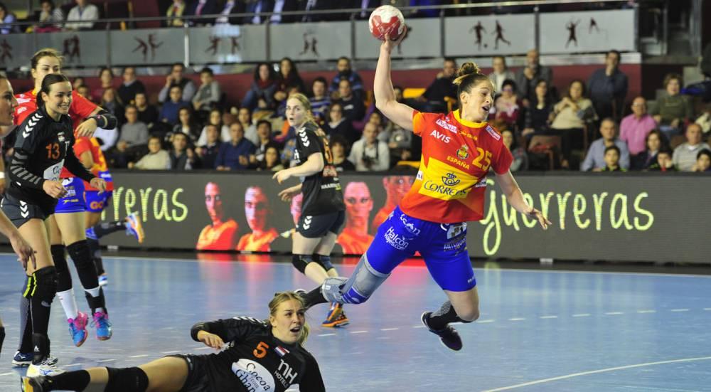 Selección femenina Balonmano 2016 1464105257_380417_1464105374_noticia_normal
