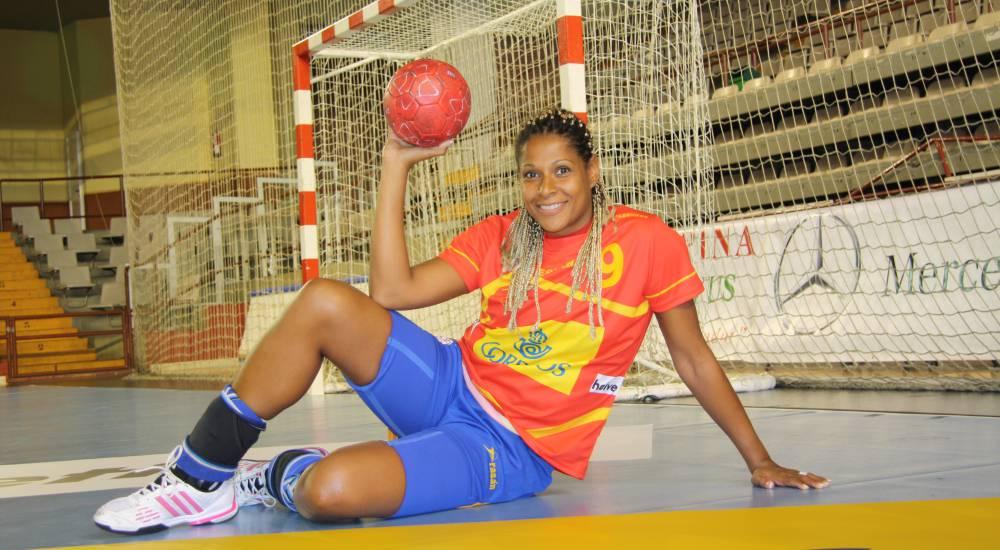 Selección femenina Balonmano 2016 - Página 2 1465064033_061208_1465064313_noticia_normal